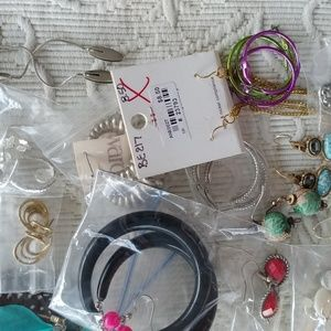 Vintage Jewelry - 30 pairs misc earring lot